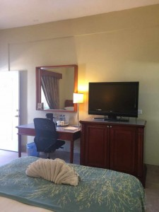 double-bed-Rolsons-Hotel-belize-e1486701726724